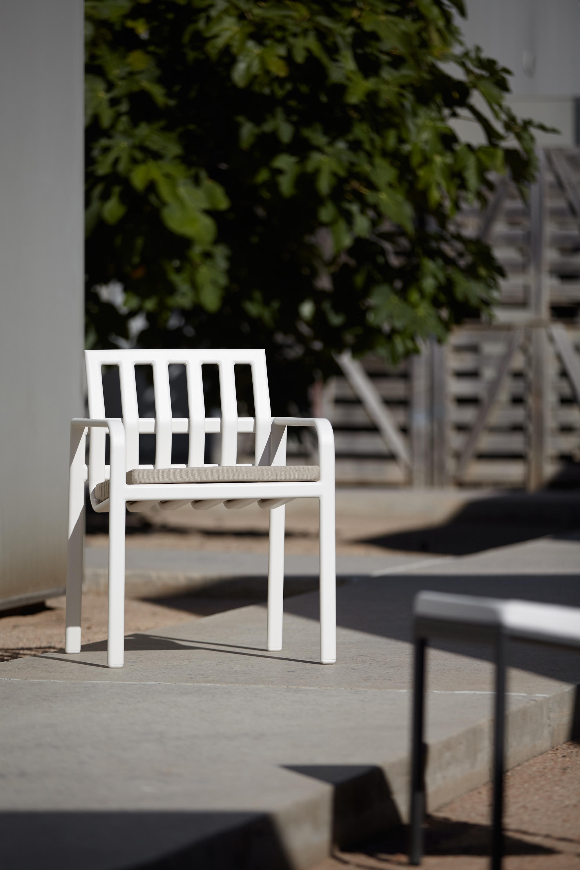 TUB CHAIR - Chairs from Point | Architonic