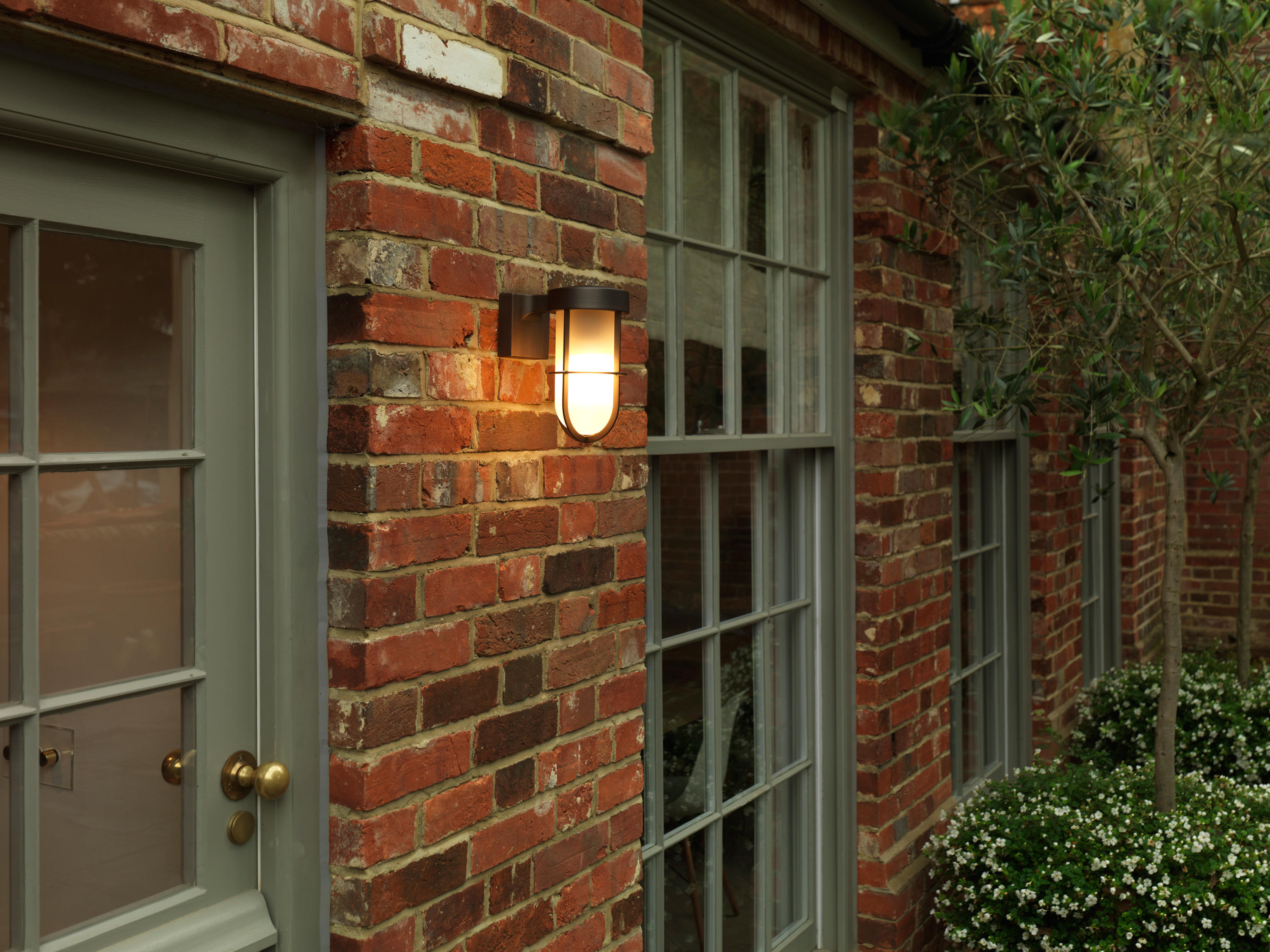 CABIN WALL LIGHT ANTIQUE BRASS - Outdoor wall lights from Astro ...