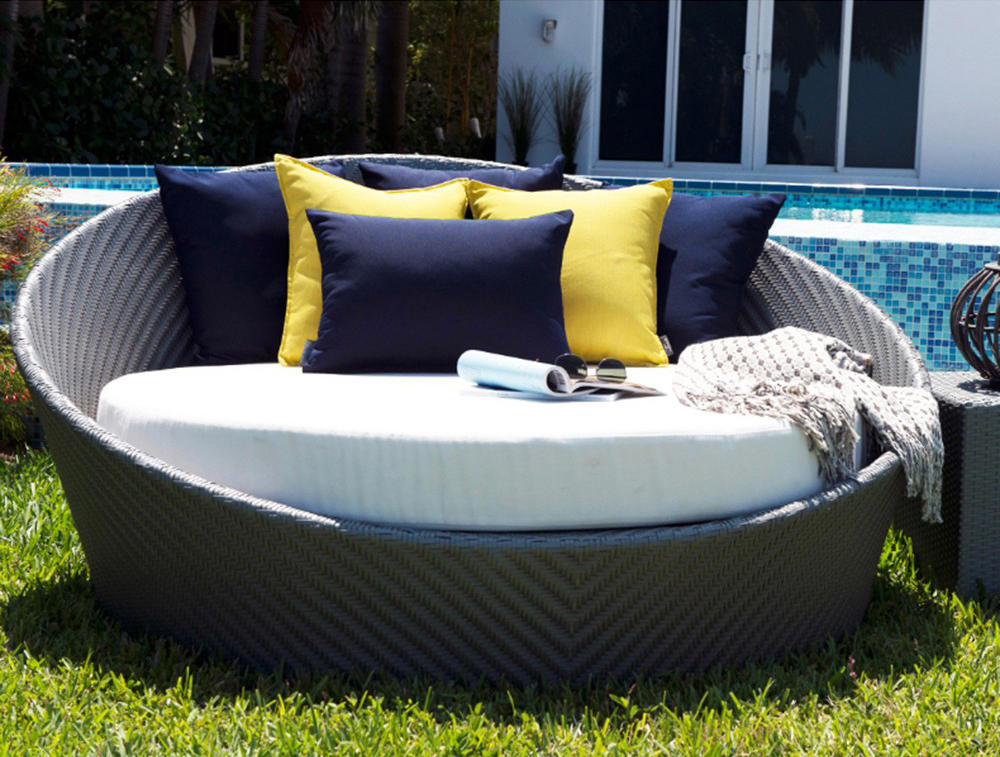 ... Hallo Round Daybed With Canopy by Kannoa ... & HALLO ROUND DAYBED WITH CANOPY - Seating islands from Kannoa ...
