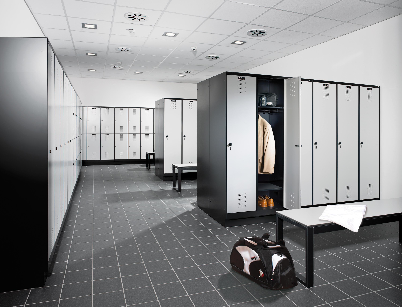 evolo spind s 3000 kleiderspinde schliessf cher von c p m belsysteme architonic. Black Bedroom Furniture Sets. Home Design Ideas