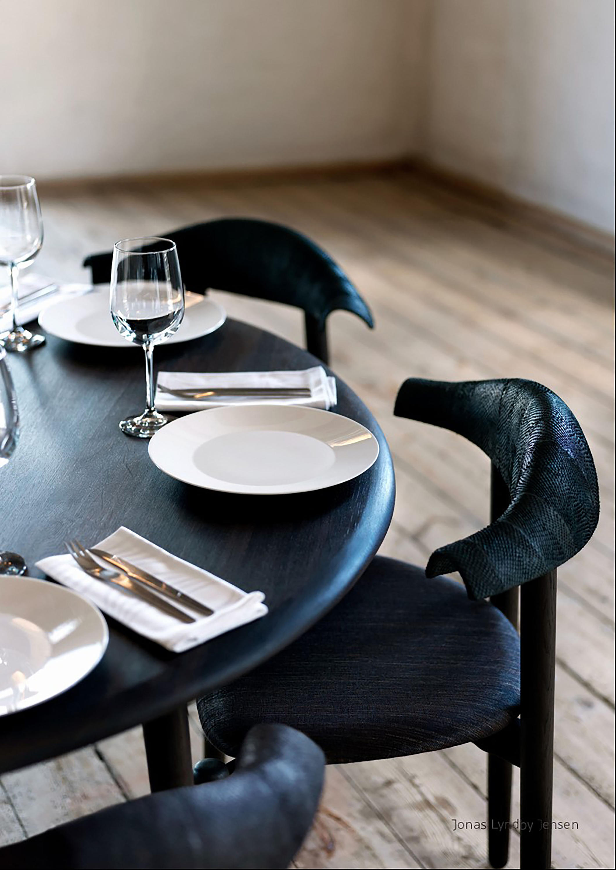 Solid Wood Dining Tables Round