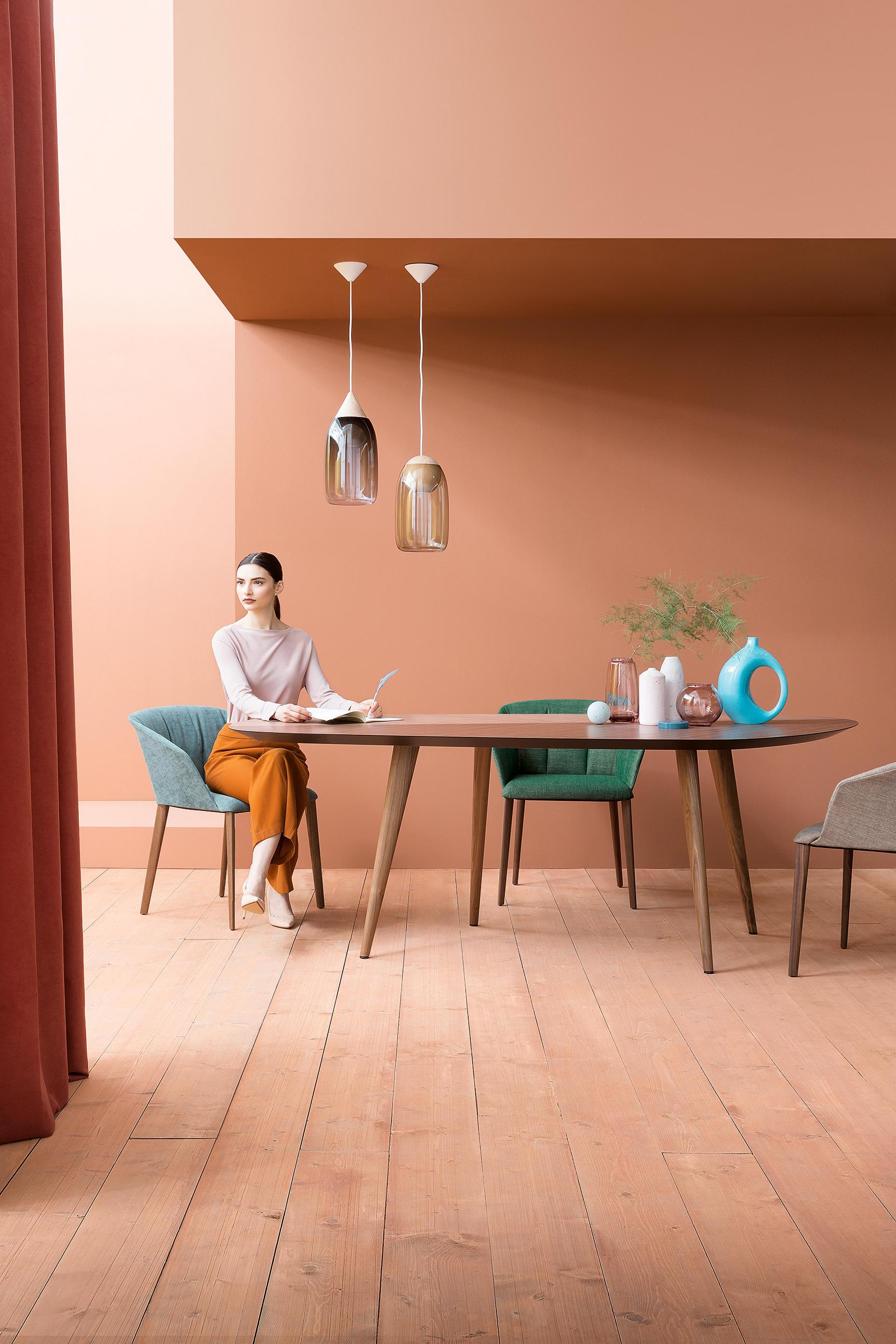 Tweed 2317 tables de repas de zanotta architonic for Table zanotta tweed