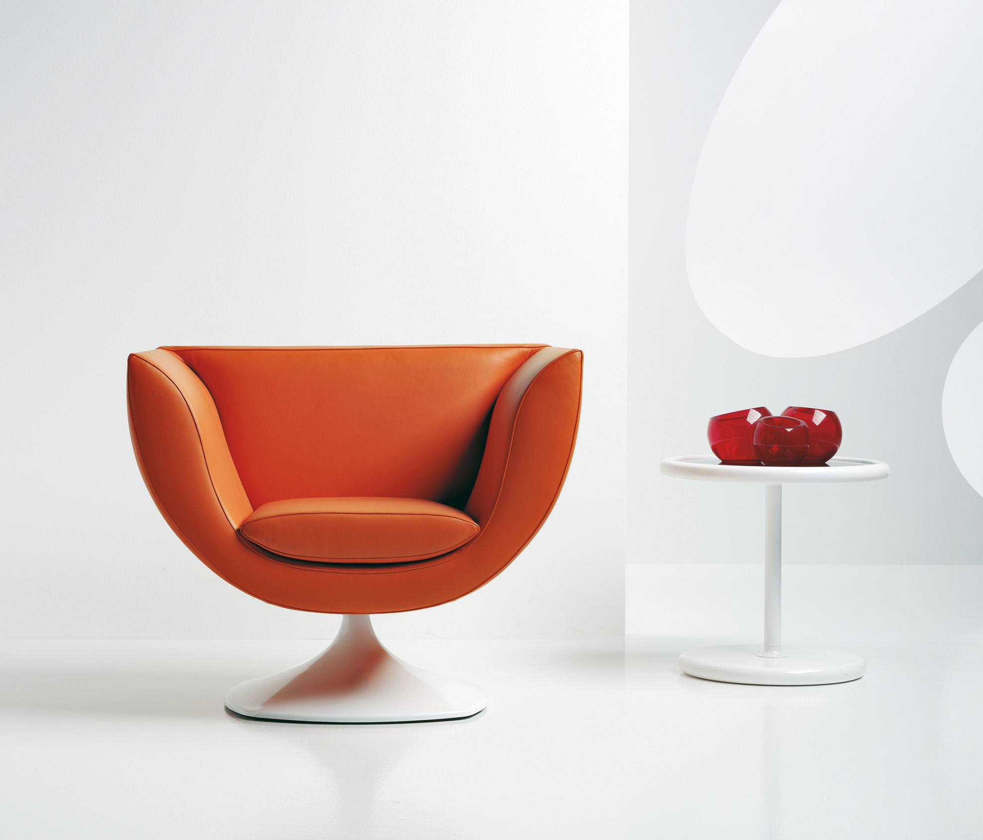 Spline Armchair Lounge Chairs From Estel Group