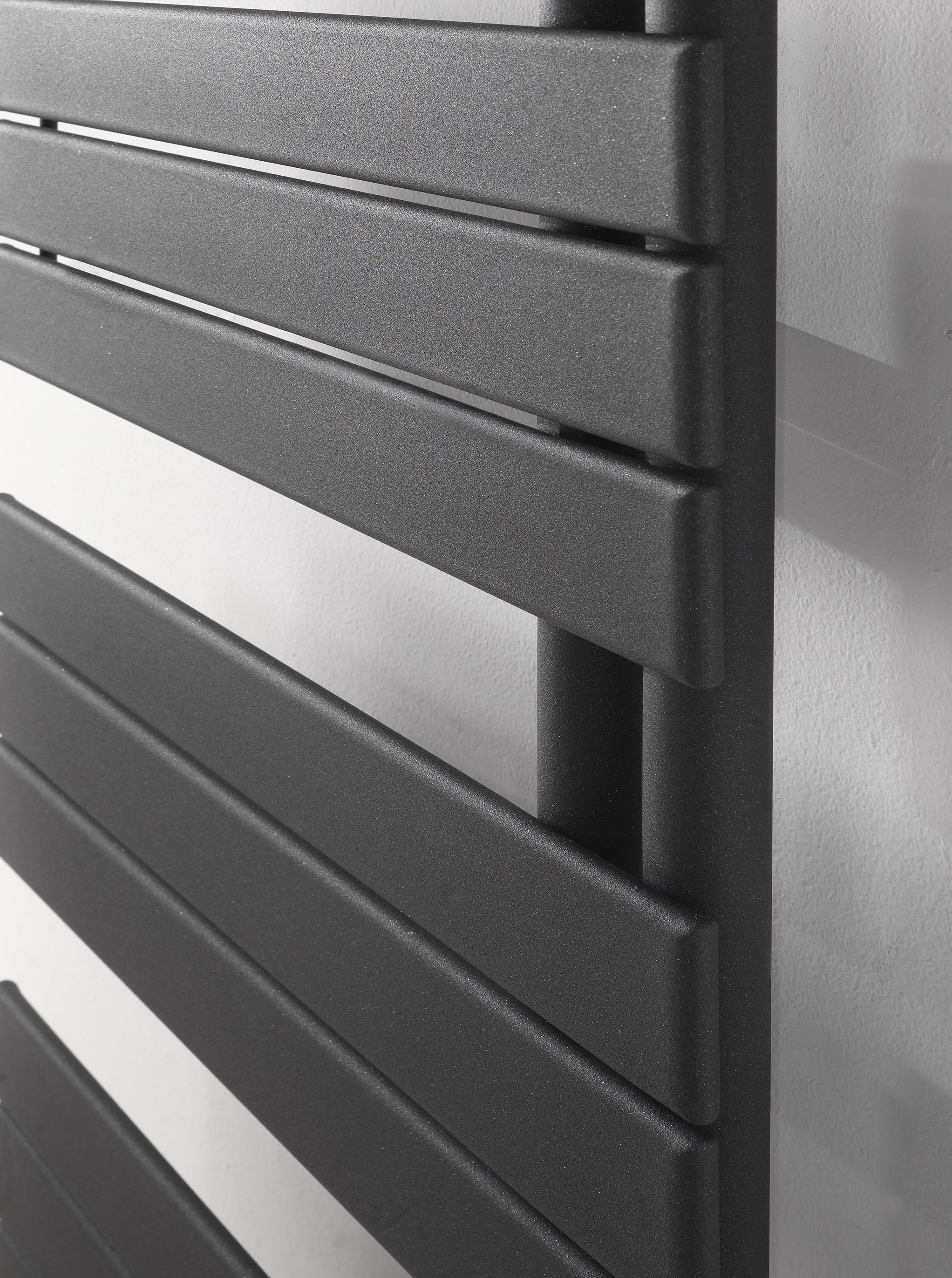 flag radiateurs de deltacalor architonic. Black Bedroom Furniture Sets. Home Design Ideas