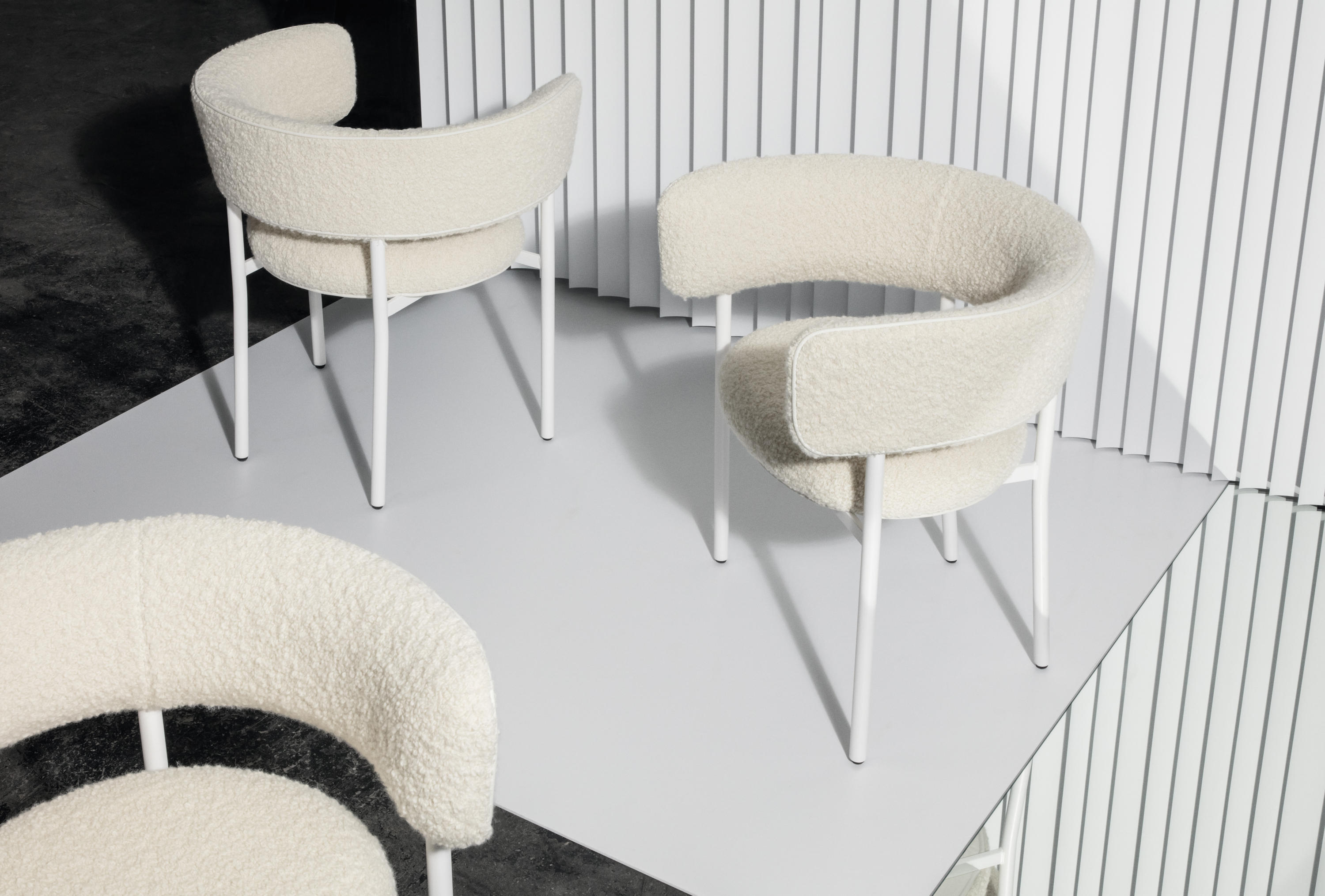 font bold lounge chair armchairs from m bel copenhagen architonic. Black Bedroom Furniture Sets. Home Design Ideas