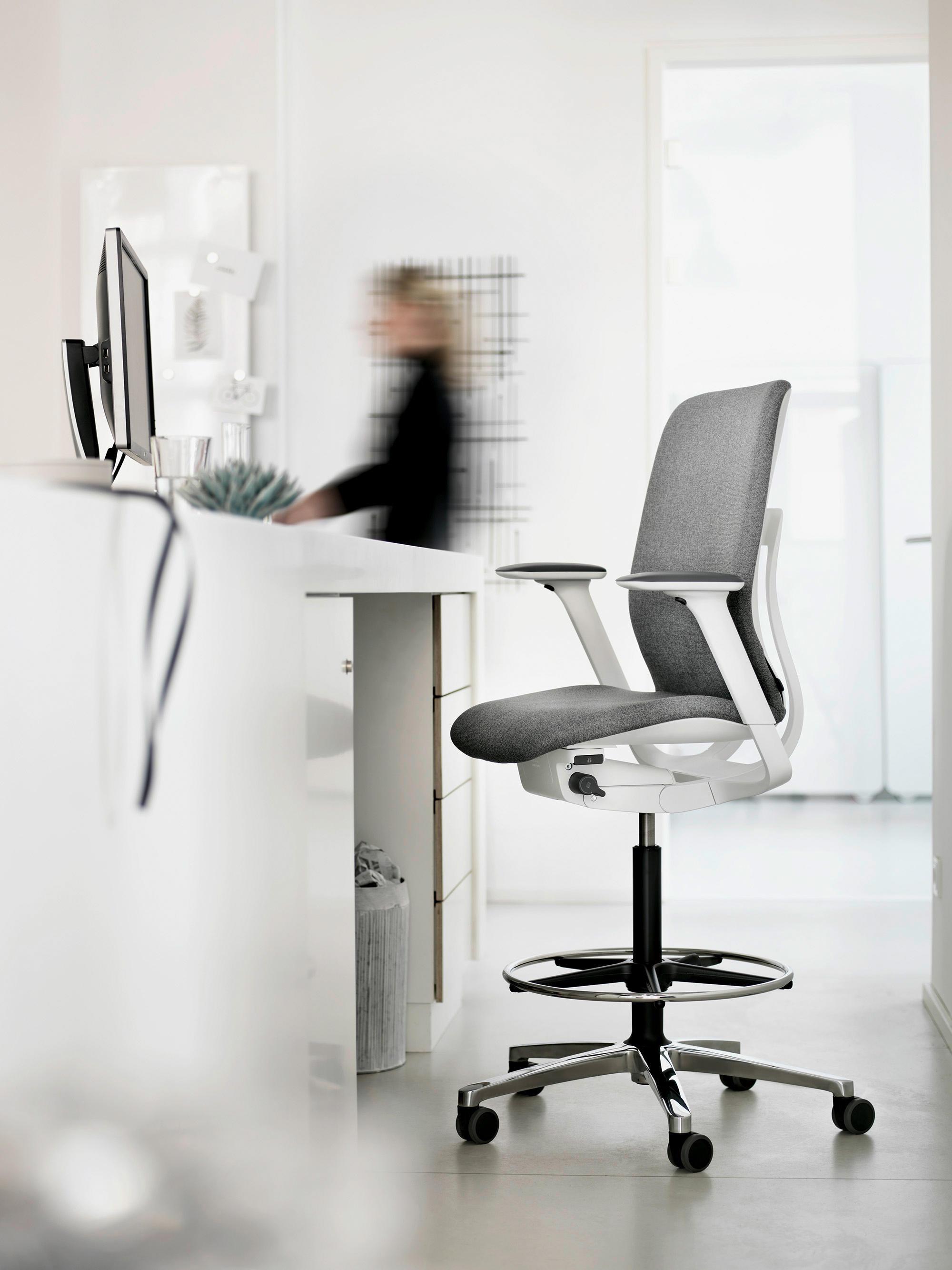 at chaises de bureau de wilkhahn architonic. Black Bedroom Furniture Sets. Home Design Ideas
