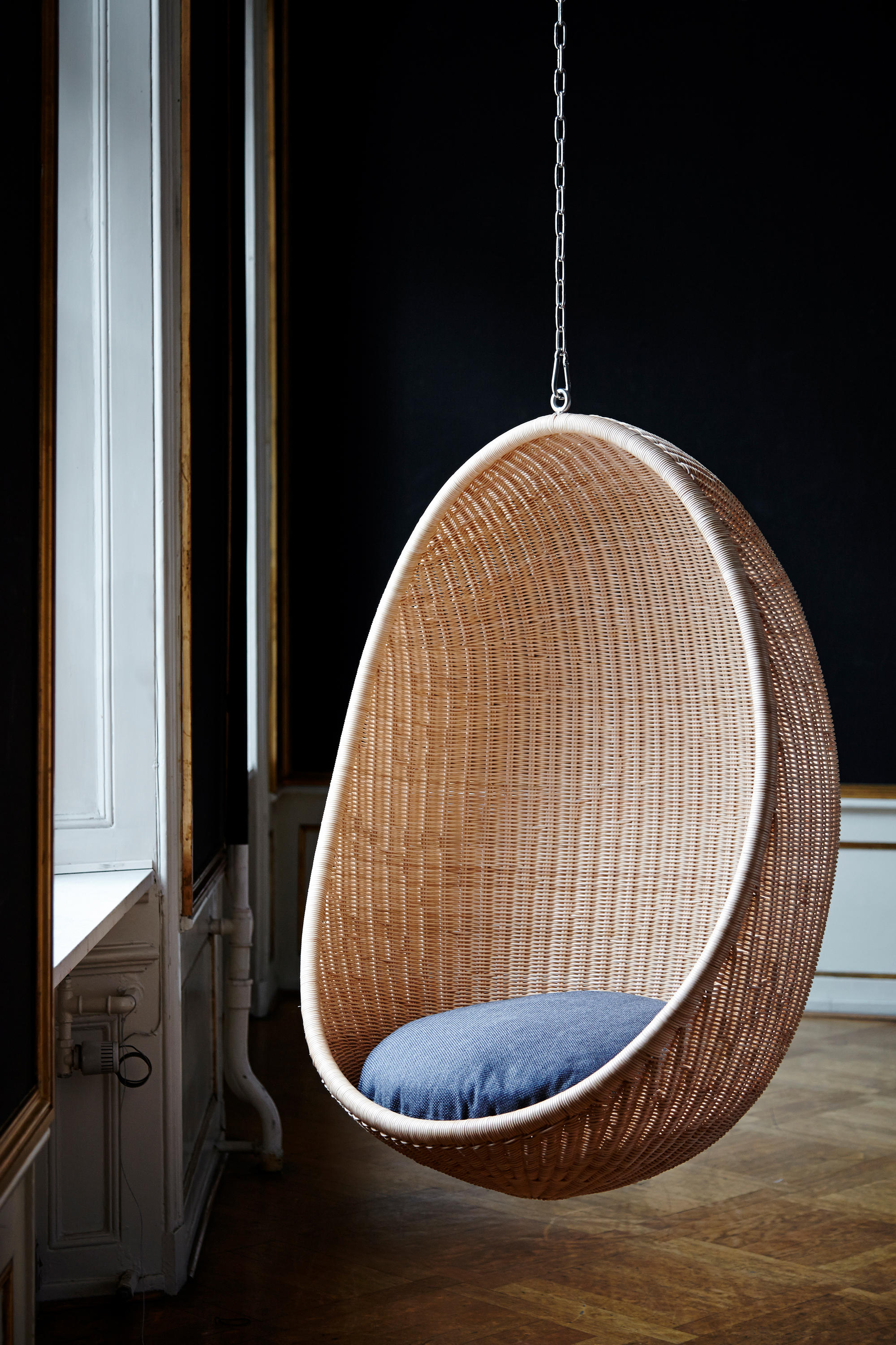 Hanging Egg Cocoon Furniture From Sika Design Architonic