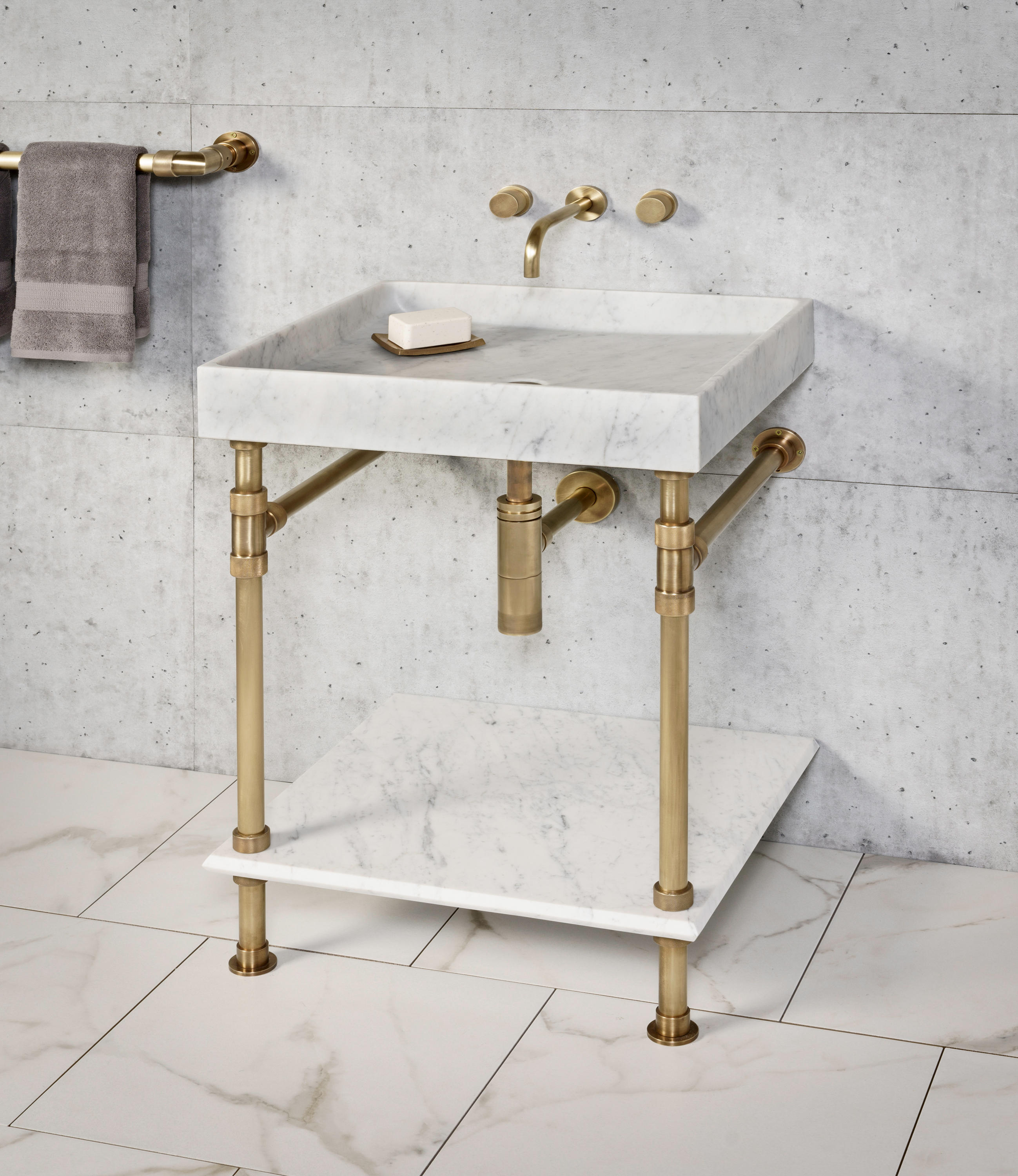 Ventus Bath Console With Metal Tray