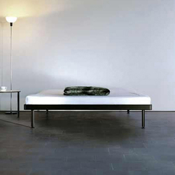 Bed 2 / Lounger 2 | Lits | Lehni