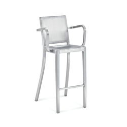 Hudson Barstool with arms | Barhocker | emeco