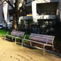 NeoRomántico Liviano | Exterior benches | Santa & Cole