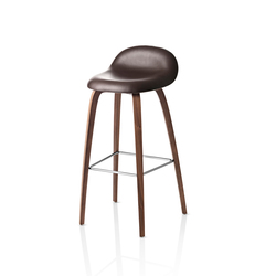 Gubi Stool – Wood Base | Barhocker | GUBI