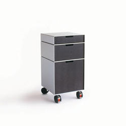 Container 431 [System Furniture T71] | Pedestals | Patrick Lindon