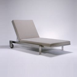 Indoor/Outddor Group Chaise Lounge | Tumbonas de jardín | Marmol Radziner Furniture