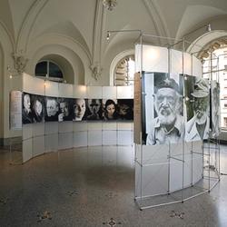constructiv CLIC Rund | Exhibition systems | Burkhardt Leitner
