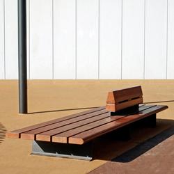 Comunitario | Exterior benches | Santa & Cole