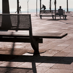 Nu | Exterior benches | Santa & Cole