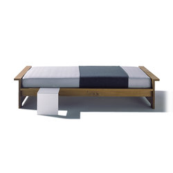 Moonwalker solid wood bed | Letti matrimoniali | Richard Lampert