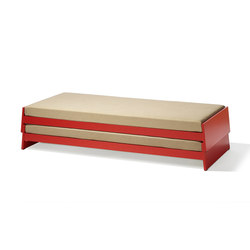 Lönneberga stacking bed | Camas | Richard Lampert