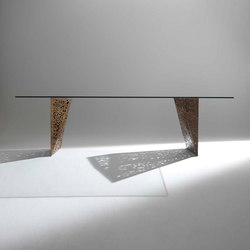 Riddled Table | Dining tables | HORM.IT