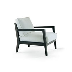 Camilla armchair | Lounge chairs | Poliform