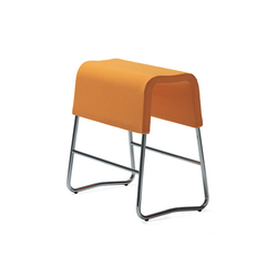 Plint bar stool | Tabourets de bar | Materia