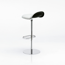 Gubi Stool – Swivel Base | Bar stools | GUBI