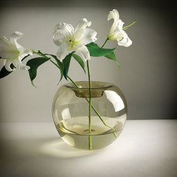 Stamen Vase | Vases | Niche