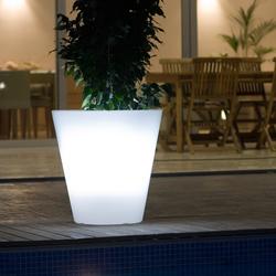Llum Cono | Flowerpots / Planters | Vondom