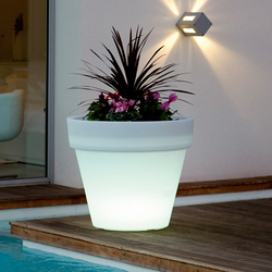 Llum Maceta | Flowerpots / Planters | Vondom