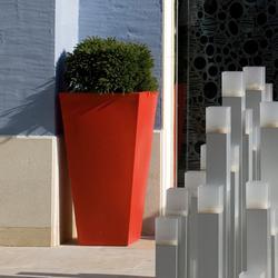 Aigua Cono cuadrado alto | Flowerpots / Planters | Vondom