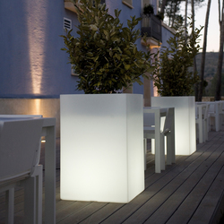 Llum Cubo | Flowerpots / Planters | Vondom