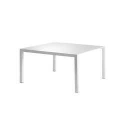 New Standard | Tables de repas | Lourens Fisher