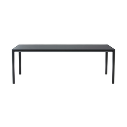 Seram dining table | Esstische | Ligne Roset