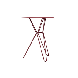 Tio Triangular Café Table Metal | Cafeteria tables | Massproductions