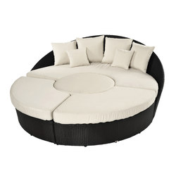 Arena circular sofa made from twisted plastic | Seating islands | Varaschin