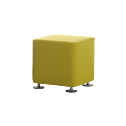 poufs avec assise en feutre de haute qualit sur architonic. Black Bedroom Furniture Sets. Home Design Ideas