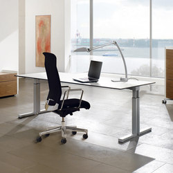 TriASS Furniture range | Height-adjustable desks | Assmann Büromöbel