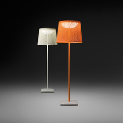 Wind 4055 Floor lamp | Lámparas de pie | Vibia