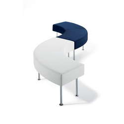 Longo bench | Modular seating elements | Materia