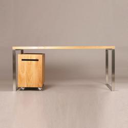 Letras + Pura | Individual desks | Gabriela Bellon
