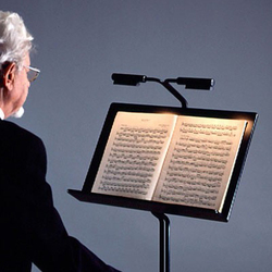 MUSIC STAND with light | Mobili orchestra | Okholm Lighting