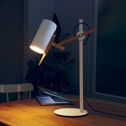 Scantling Table lamp | Lámparas de lectura | Marset