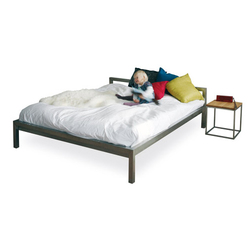 Pure stainless steel bed frame | H 666 VA H 667 VA H 668 VA H 669 VA | Camas | Hans Hansen & The Hansen Family