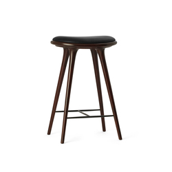 High Stool dark stained hardwood 69 | Tabourets de bar | Mater