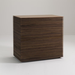 Riga cassettiera | Sideboards | Porada