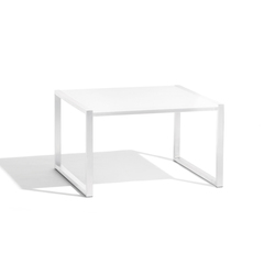 Latona lounge table | Tables d'appoint de jardin | Manutti