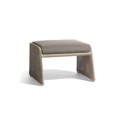 Swing medium footstool | Gartenhocker | Manutti