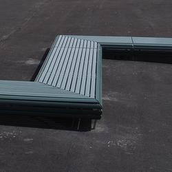 Schulanlage Zentrum, Küssnacht | Exterior benches | BURRI