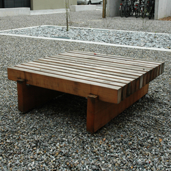 Sol Bench square seating area | Exterior benches | BURRI